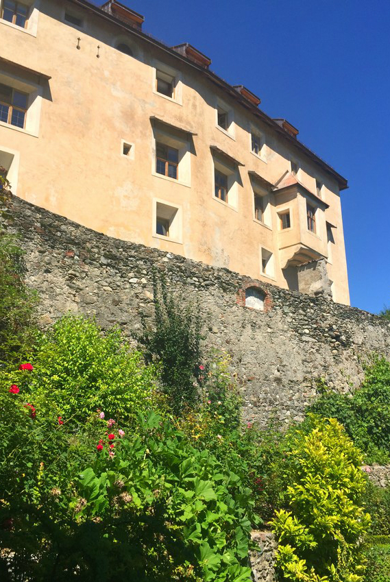 Sonnenburg Castle in Castelbadia
