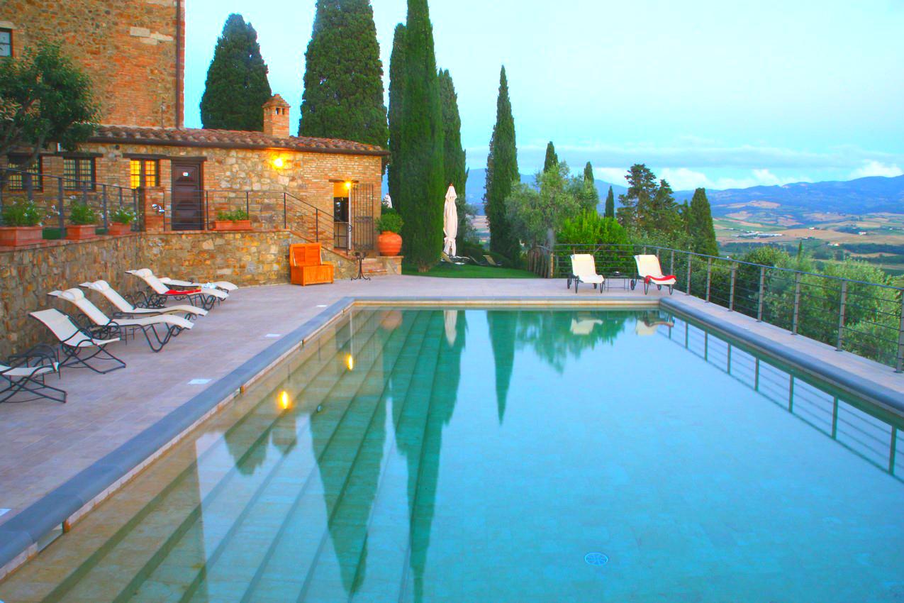 CastelloBanfiIlBorgo pool