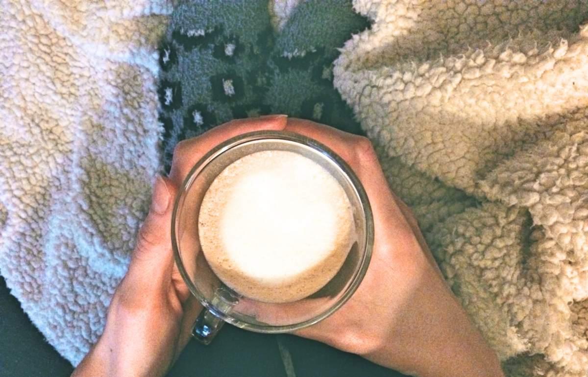 winterdip koffie warme sokken