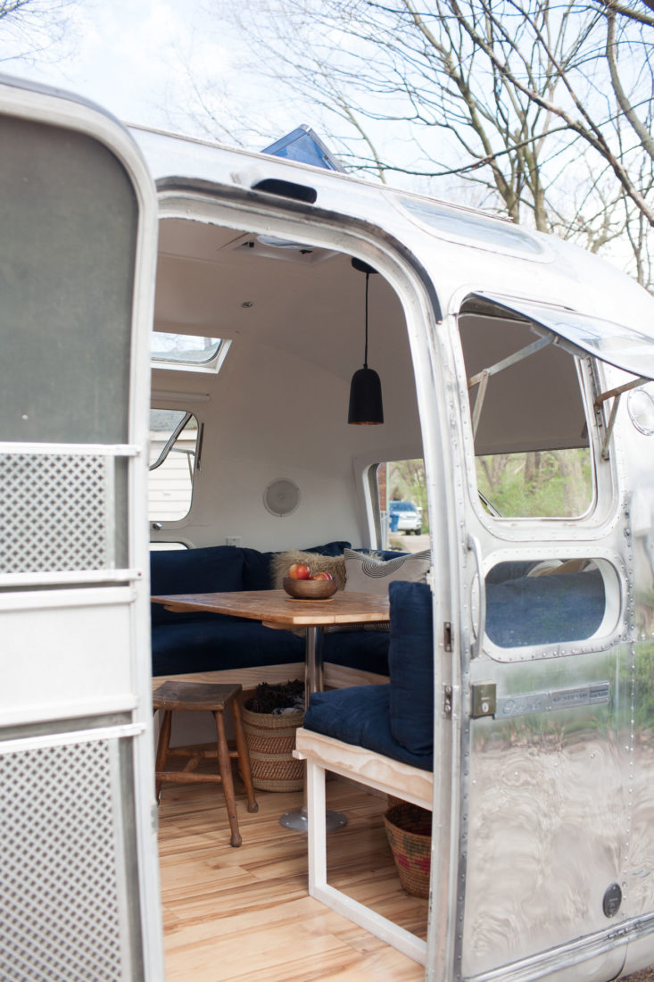 modern-caravan-vintage-airstream-renovation-3-733x1100.jpg