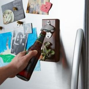 40696535-9c36-4e12-85b3-a0a99dcb894d--drop-and-catch_magnetic-bottle-opener_6873_MID
