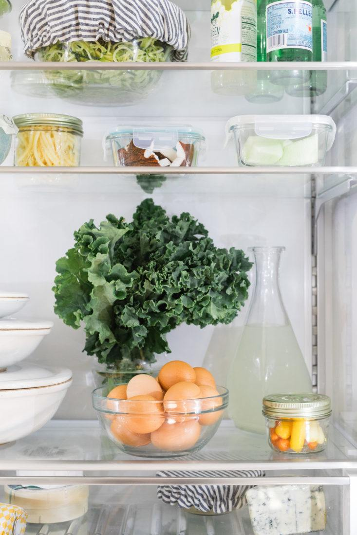 eco-friendly-refrigerator-bosch-kale-eggs-733x1100