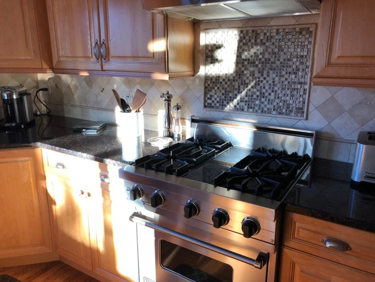 ready for buyers - littleblackdomicile-skycrest after update-kitchen