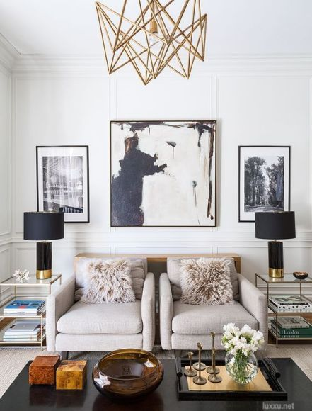 luxe.net-pair-of-chairs-living-room-large-art-statement-chandelier