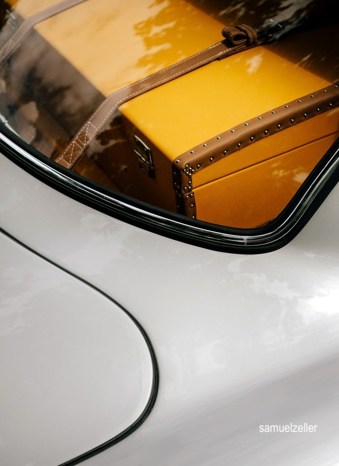 samuelzeller-luggage-sports-cars-travel