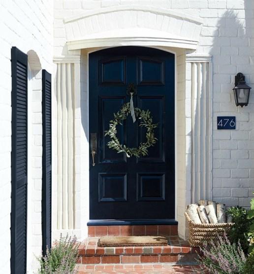 serena&lily-black-door-laurel-wreath