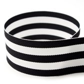 black and white-stripe-ribbon-holiday-tablescapes