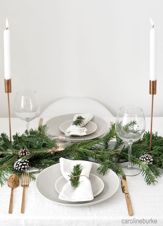 carolineburke-evergreen-christmas-table-setti