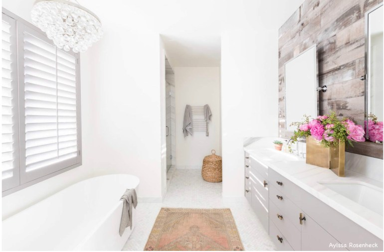 amandabarnes-interior-design-aylssa rosenheck-photography-frrestanding-bathtub-white-bathroom-gray-vanities-shiplap-barnwood