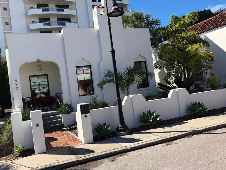 burns-court-sarasota-architecture-brick-sidewalks-courtyards