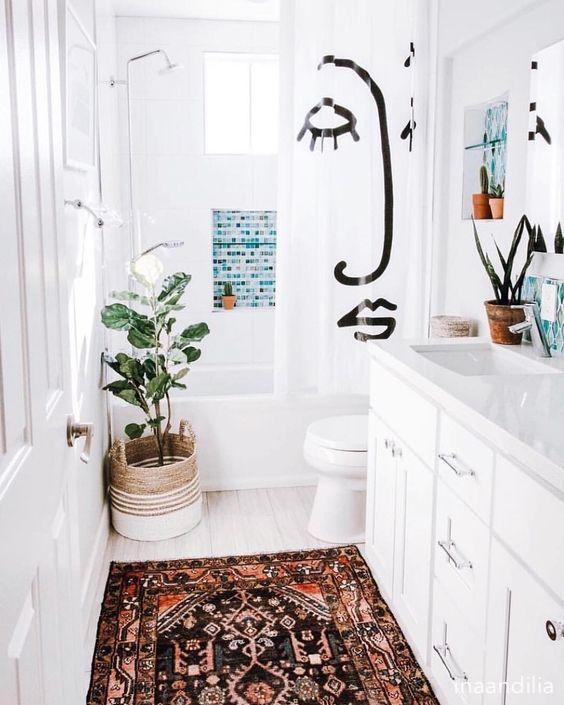 inaandilia-colorful-white-bathroom