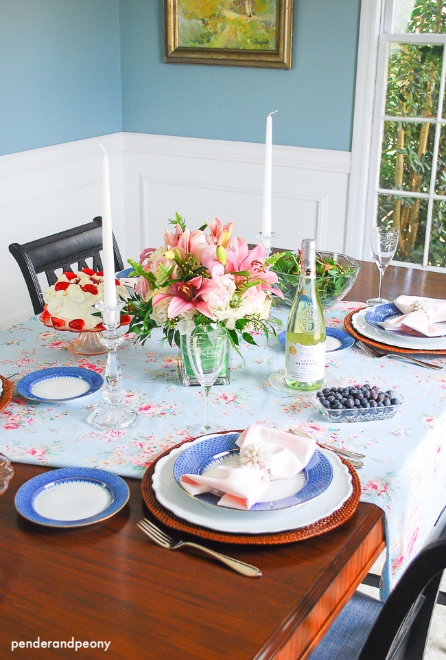 penderandpeony-easter-tablescape-spring-colors-family-dining
