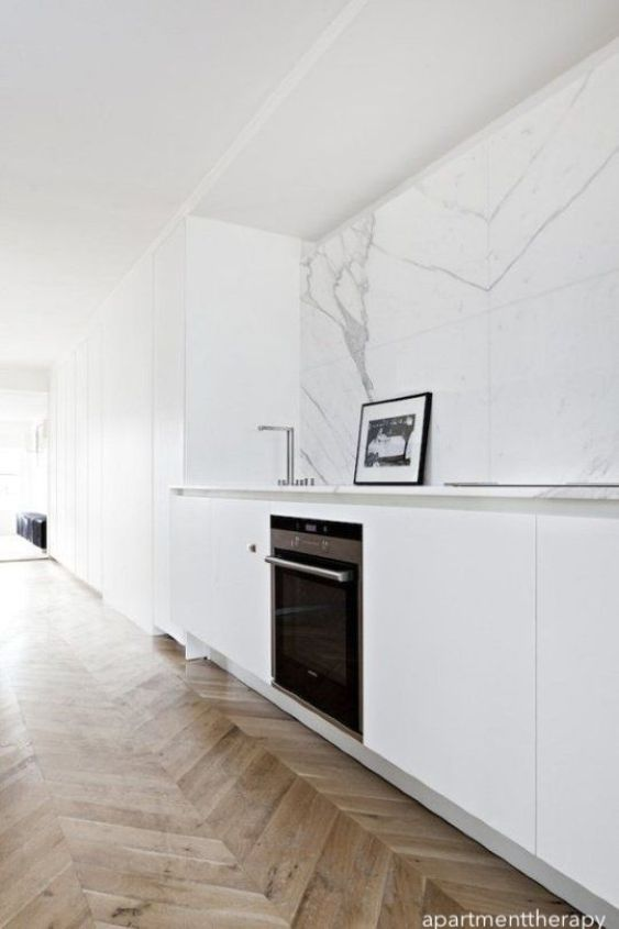 apartmenttherapy-white-kitchen-marble-splash
