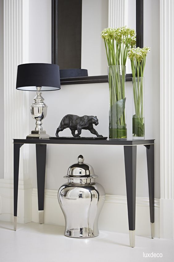 luxdeco-black-white-decor-foyer