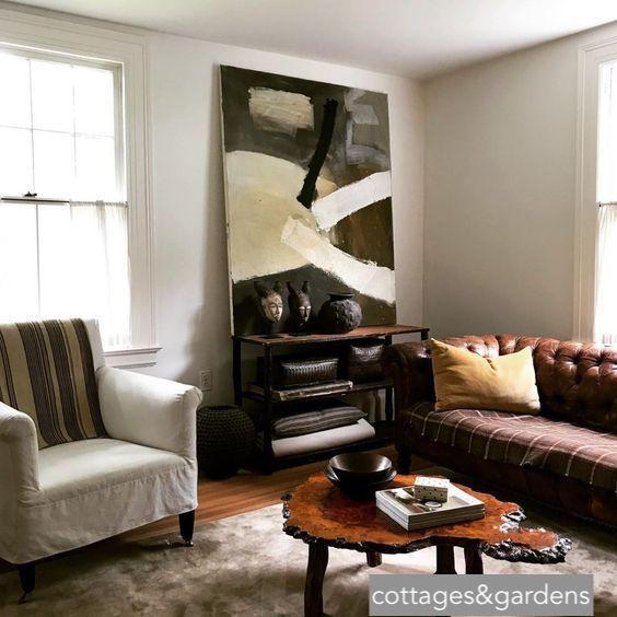cottage&gardens-livingroom-largeart-cozyrooms-littleblackdomicile.com