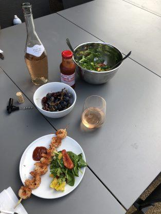 gardenhousenulu-laurelbledsoedesign-picnicinthepeagravel