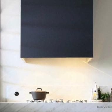 remodelista-rangehood-minimal-kitchen-renovation