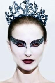 bron: http://main.stylelist.com/2010/12/01/black-swan-makeup-how-to/