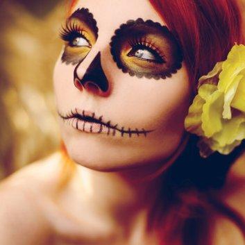 bron: http://photosofme.deviantart.com/art/sugar-skull-2-276250440