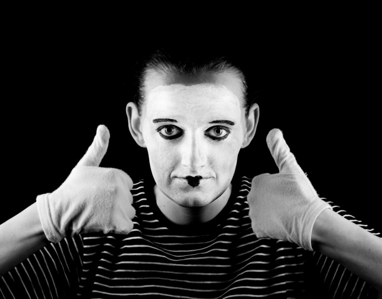 mime-and-thumbs-up