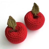 Picture of crocheted apples