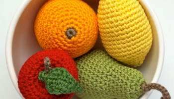 Picture of crocheted fruit in a bowl