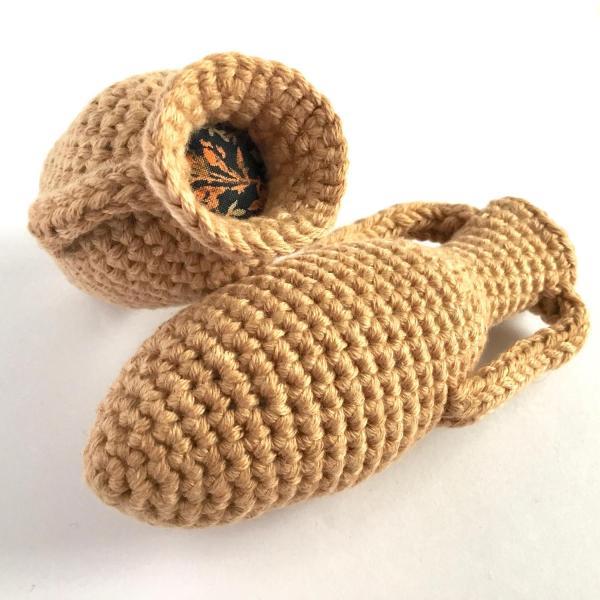 Crocheted mini amphorae