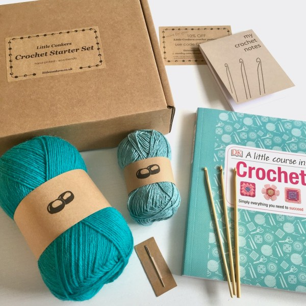 Starter kit with everything you need to learn to crochet