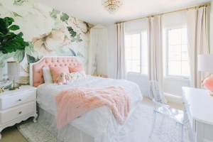 bedroom floral wall mural interior pink blush interiors newport crown accents beach decor muses mes minis features anewall orange hgtv