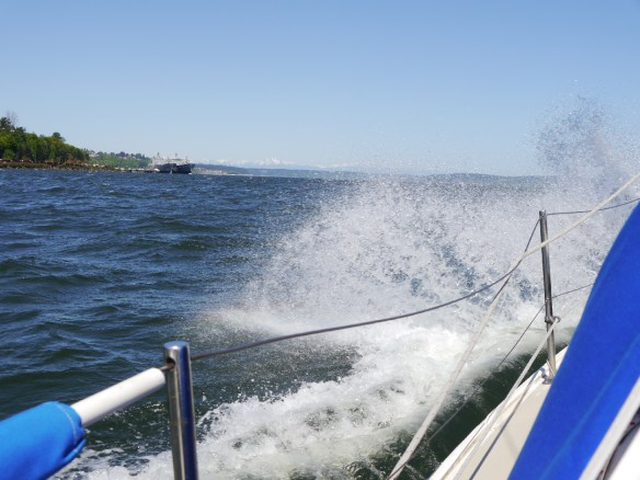 These are the conditions that greeted us today as we entered Commencement Bay. Wierd! Seemed more like the Strait of Juan de Fuca. Big waves, high wind.