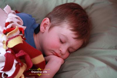 Little-d-Tales: Enjoying Life &emdash; Sleeping in at Papa O's