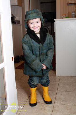 Little-d-Tales: Enjoying Life &emdash; SPorting the Herb coat!