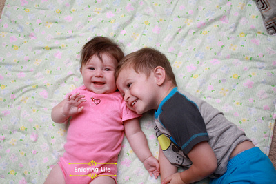 Little-d-Tales: Enjoying Life &emdash; they seriously love eachother!
