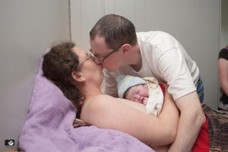 birth images by Bellingham birth photographer, Renee Bergeron of Little Earthling Photography