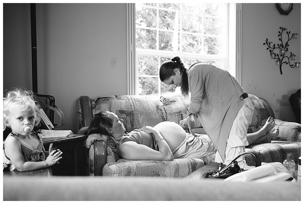 I love the beauty and simplicity of home birth. Bellingham birth photographer, Renee Bergeron