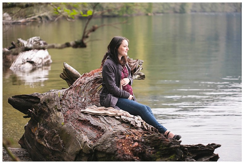 A fun North Lake Whatcom maternity photos in Bellingham, WA.