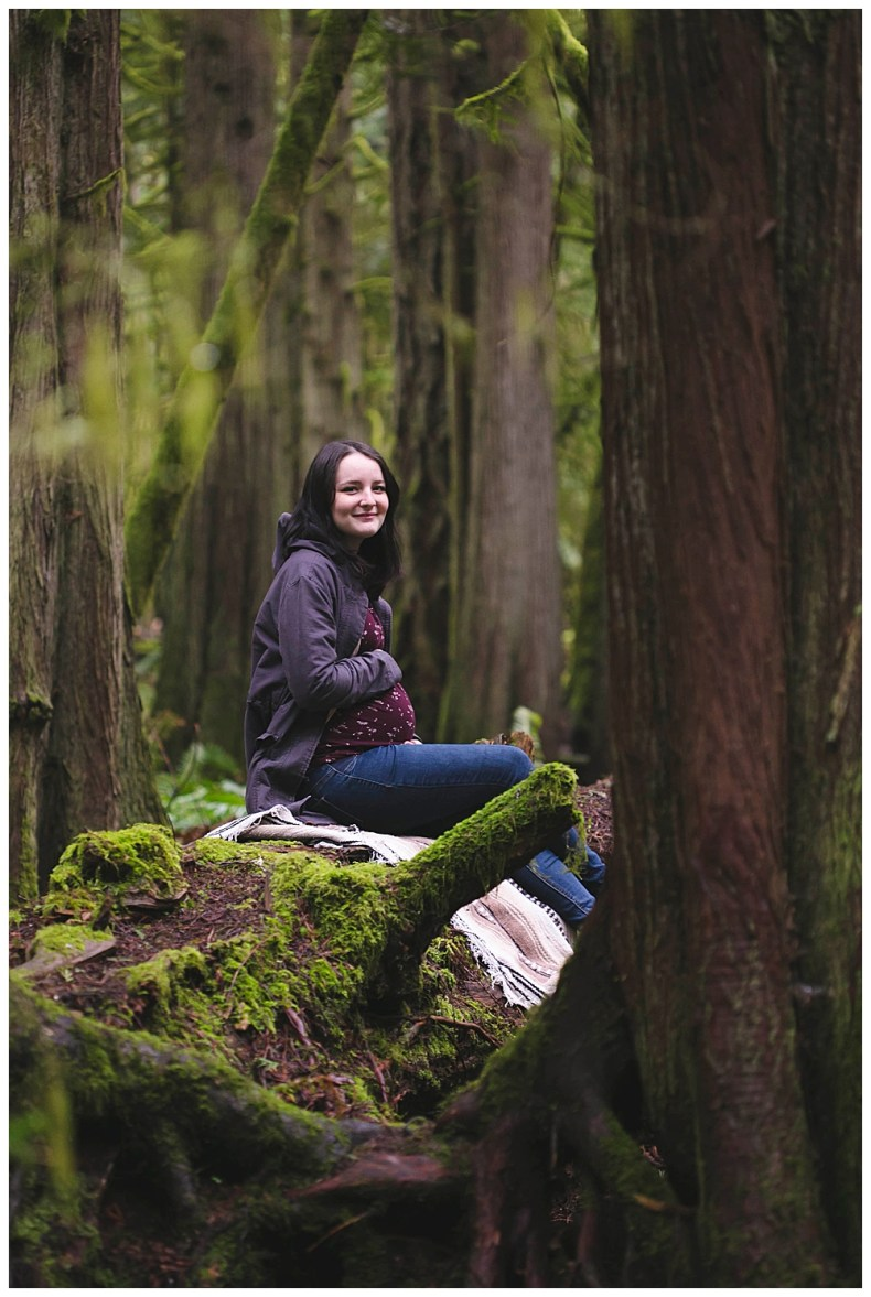 Devon's North Lake Whatcom Maternity shoot.