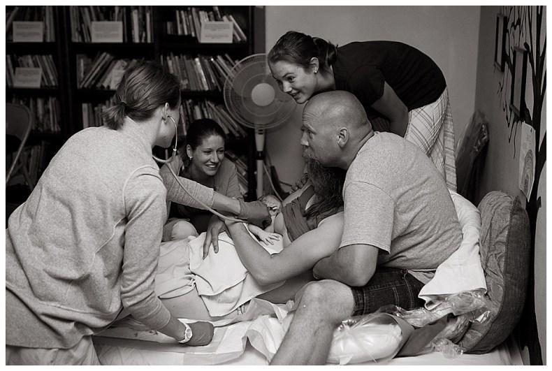 Lynden homebirh photographed by Renee Bergeron of Little Earthling Photography