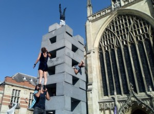 NoFit Circus presents Block in front of Hull Minster.