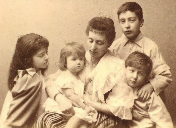 Photo of Emily Talbot with her children