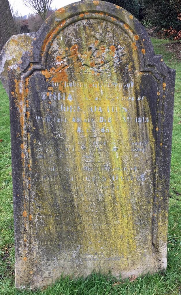 Photo of Sam Oakins' family's grave in Little Gaddesden Churchyard