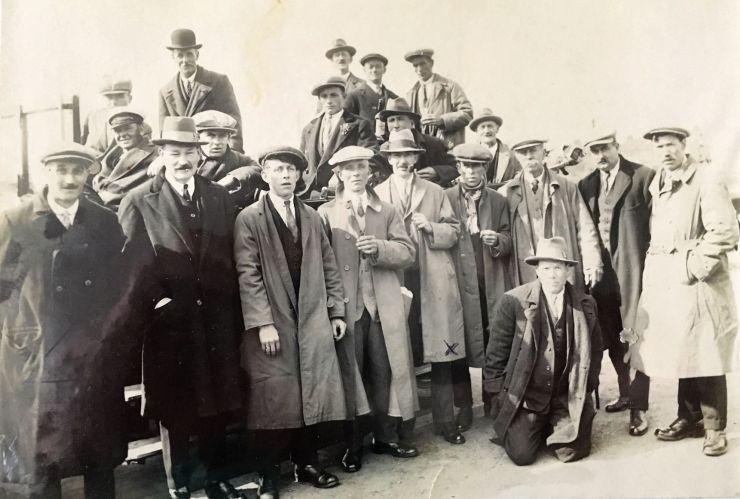 Photo of the Little Gaddesden British Legion outing in 1925