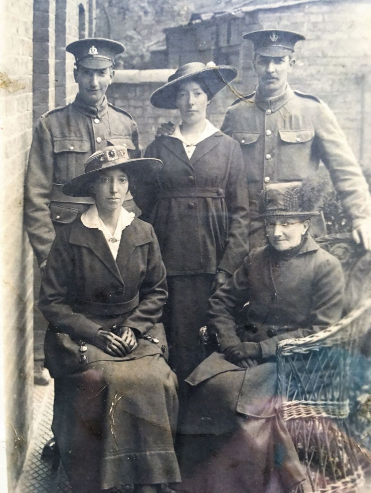 Photo of Edward Saunders with his mother and siblings