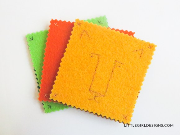 Make these simple felt coasters for Christmas, birthdays, or as a gift for a friend. They're super easy to make and you can finish them in an afternoon!