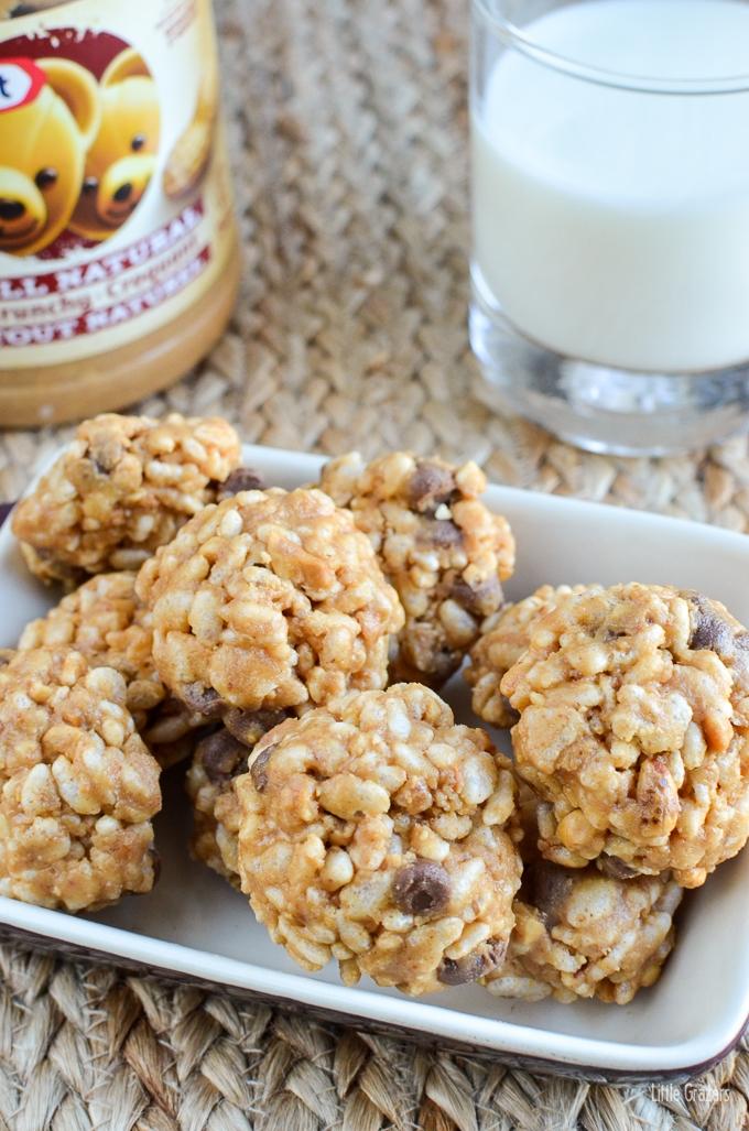 No Bake Peanut Butter Chocolate Chip Rice Krispie Bites ...