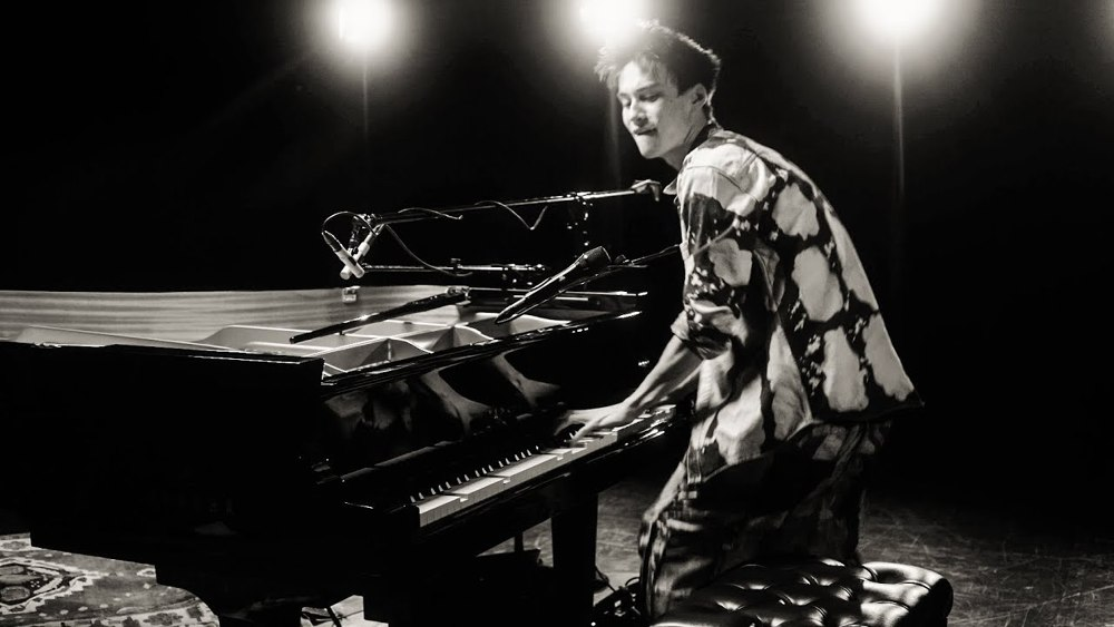 """An Amazing New Solo Jam From Jacob Collier """"don't Stop"""