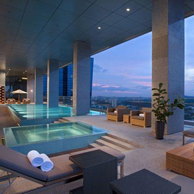 Oasia Club Lounge Pool