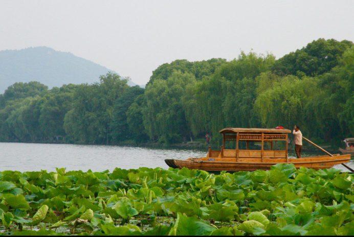 Beautiful West Lake of Hangzhou Must Do China