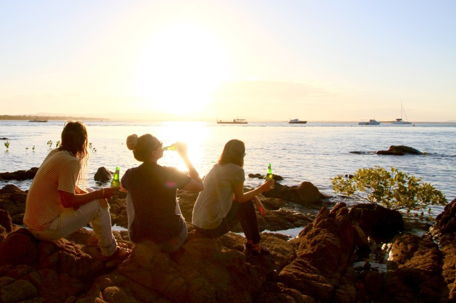Phoebe and the girls, sunset beers at 1770