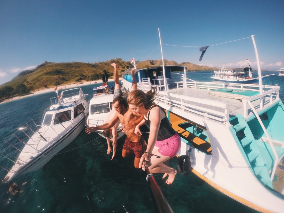 All the reasons to fall in love with a travel girl...